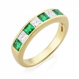 Emerald 0.54ct and GVS Diamond Half Eternity