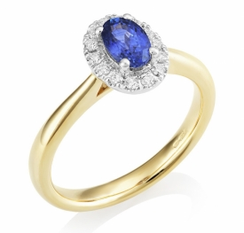 Oval Sapphire with Diamonds and Yellow Gold